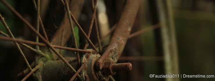 Classic old rusty bicycle wheels