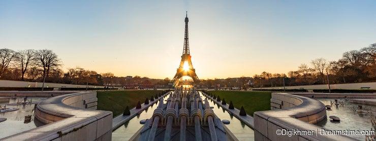 Sunrise on the Trocadero fountain water jet