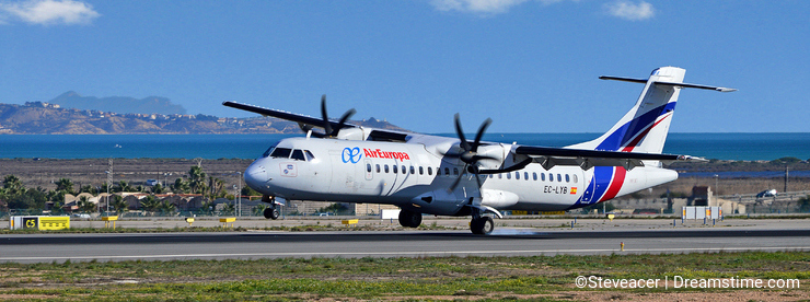 Air Europa EL-LYB Aircraft One Wheel Down