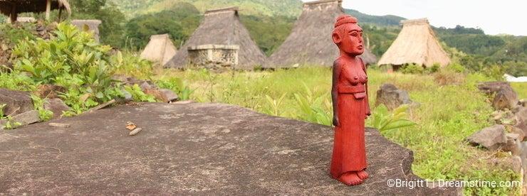 Wooden sculpture, Ende