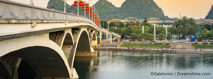 GUILIN, CHINA - SEPTEMBER 22, 2016: Bridge over Li river in the