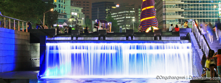 Korea Seoul Cheonggyecheon Stream And City Night Scenes