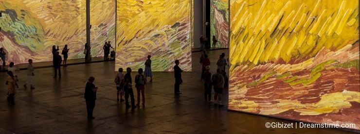 Paris - Exhibition Imagine Van Gogh