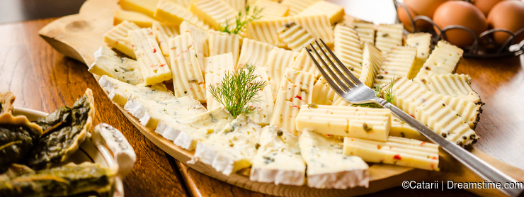 Romanian and hungarian cheese platter
