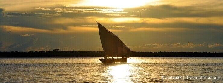 Dhow sailboat at Ibo Island