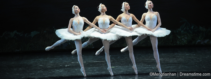 Proud of the four little swan dance-ballet Swan Lake