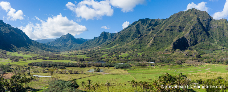 Panorama of Kaaawa valley with mountains in the background