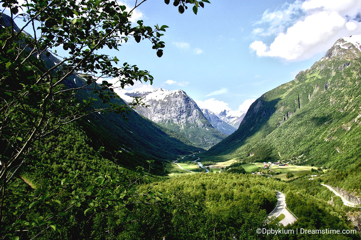 A valley in Norway shows off the Beauty of the Mountains