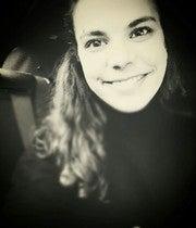 Nadia Fernandes (Naafernandes)