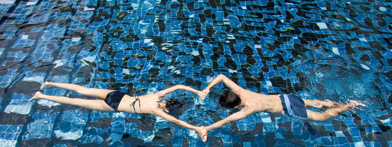 Stock photo: swimming couple