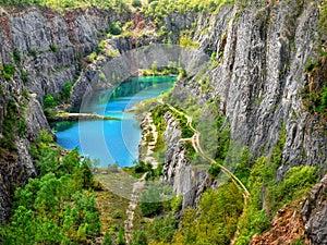 Dolomite Quarry, Big America
