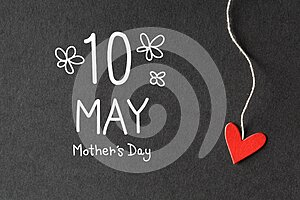 10 May Mothers Day message with paper hearts
