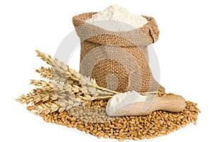 Mehl im kleinen Leinwandsack