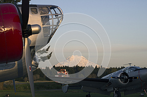 Mt. Rainer Vintage Aircraft