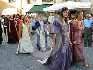 Trajes medievales mujer alquiler