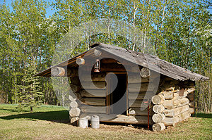 Trappers Log Cabin