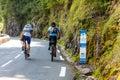 ερασιτέχνης aubisque που αναρριχείται στο συνταγματάρχη cyclists d Στοκ φωτογραφίες με δικαίωμα ελεύθερης χρήσης