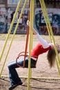 Κορίτσι στην ταλάντευση Στοκ Φωτογραφίες