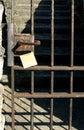 Λαβή και post-it Στοκ εικόνες με δικαίωμα ελεύθερης χρήσης