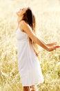 беспечальная женщина outdoors Стоковое фото RF