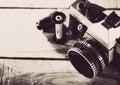 го сбора виногра а камера фото фи ьма mm на  еревянным сто ом Стоковое Изображение RF