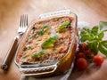 пармезан zucchinis на  еревянной пре посы кой Стоковые Фото