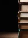 стог книг книга в твер ой об ожке Стоковые Фотографии RF