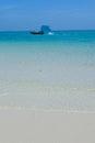 тайская ш юпка   инного хвоста на море с п яжем с бе ым песком Стоковые Фото