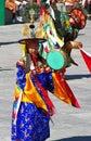 танцоры барабанчика в  ействии на фестива е wangdue tshechu Стоковое фото RF