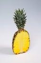 一半菠萝。 免版税库存照片