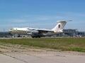 乌克兰空军队il md在跑道的航行器着陆 库存图片