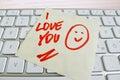 关于键盘的笔记:我爱你 库存照片