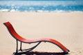 在田园诗热带沙子海滩的海滩睡椅 库存图片