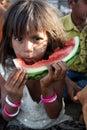 女孩饥饿的印第安贫寒 免版税图库摄影