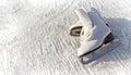 妇女白色冰鞋。 免版税库存照片
