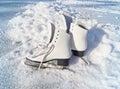 妇女白色冰鞋。 库存图片