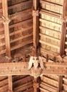 构木中世纪教会的 节和装饰顶房顶内部 免版税库存照片