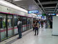 武汉地铁线路2平台 库存照片