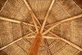沙 伞盖了木 库存图片
