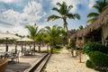 海 的室外餐馆。在海 、海 和天空的咖啡馆。在热带海 餐馆的表设置。多米尼加共和国, 图库摄影
