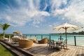 海 的室外餐馆。在海 、海 和天空的咖啡馆。在热带海 餐馆的表设置。多米尼加共和国, 免版税图库摄影