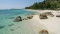 白色沙子海 在adang热带海岛上的泰国 免版税库存照片