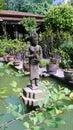 石apsara在高棉庭院里 免版税库存照片