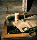 缝合 缝纫机和工具 免版税图库摄影