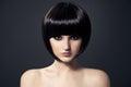 美丽的浅黑肤色的男人Girl.Healthy Hair.Hairstyle。 免版税库存照片