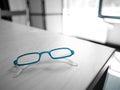 蓝色眼镜 库存图片