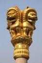 金黄狮子雕象 免版税库存图片