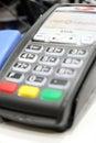 阿斯特拉罕,俄罗斯  月 日:信用欧 有限公司银行pos 端 在地方商店 信用欧 银行由fiba拥有 免版税库存照片