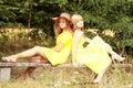 2 tienervrouw het ontspannen Stock Afbeelding
