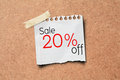20% sale off promotion paper post on Cork Board Royalty Free Stock Photos